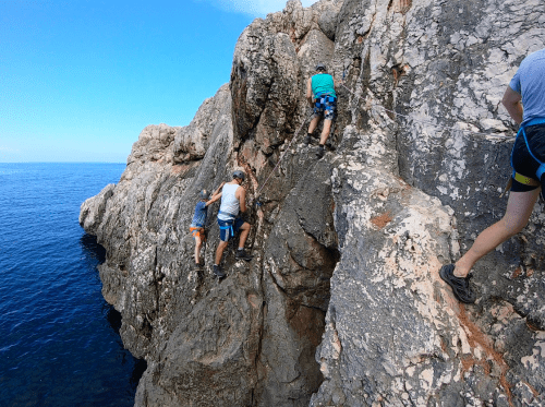 Coasteering via ferrata climbing