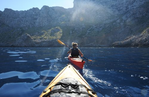 Kayaking along the Tramuntana cliffs