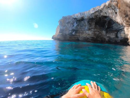 Sea cave acces